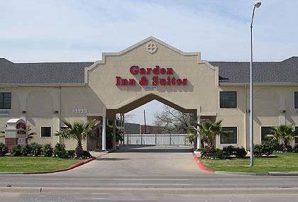 2 bedroom hotel suites in dallas texas hilton anatole garden inn and suites dallas magnuson hotels